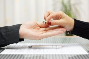 handing over wedding ring during divorce negotiations