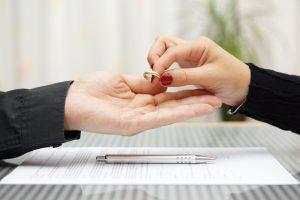 handing over wedding ring during divorce negotiations